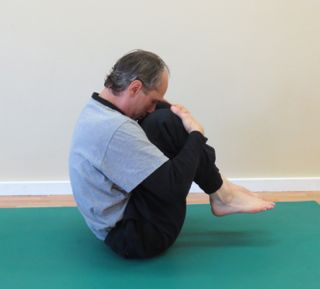 Pilates Mat Exercise - Rolling Back