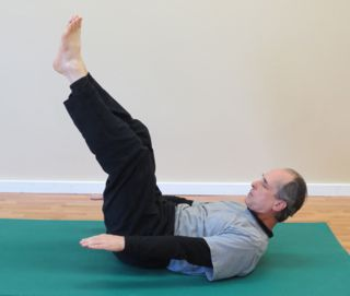 Beginner Pilates Mat Exercise - The 100