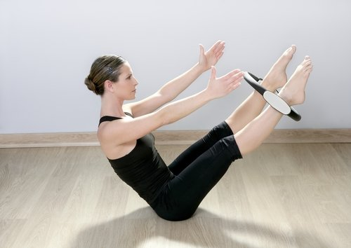Pilates Mat Exercise - The Teaser with the Magic Circle
